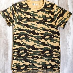 Men's Camo Styled Shirt (Size M)